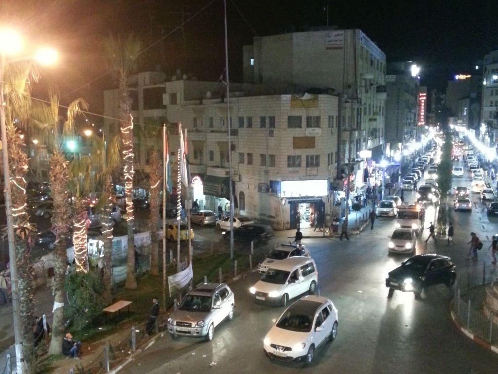 Ramallah bei Nacht