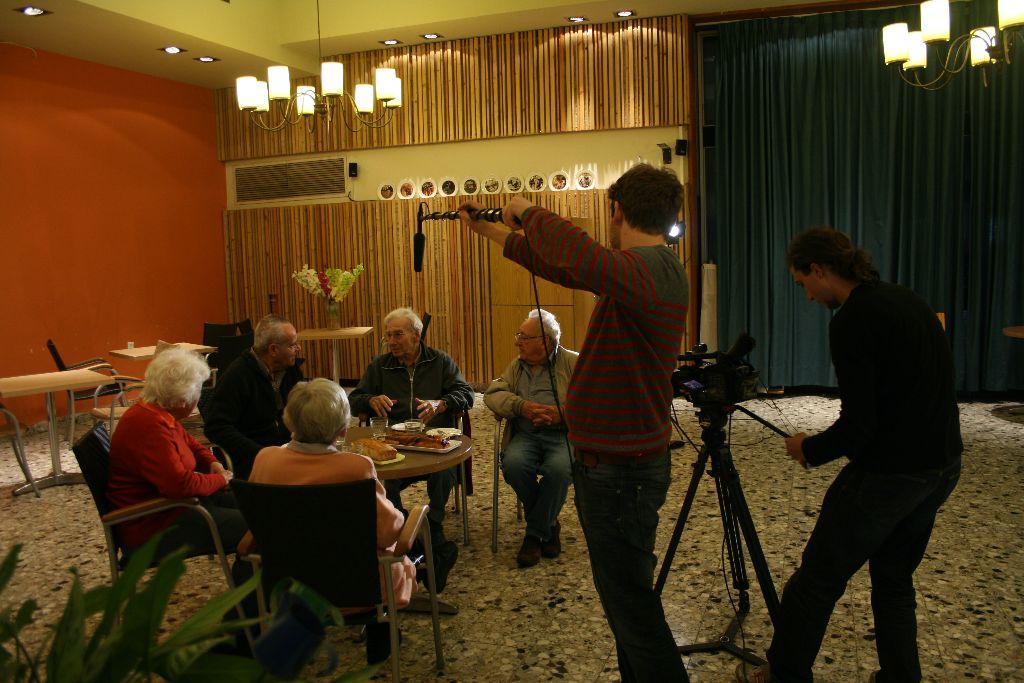 Docview Dreharbeiten 2011_mit Hanni Aisner, Hannah Schalem, Zvi Cohen, Joav Burstein, Yehuda Levi