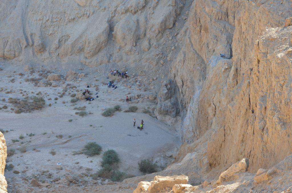 Runterkommen geht ja, aber hoch? Bei den Qumran-Höhlen, Januar 2014