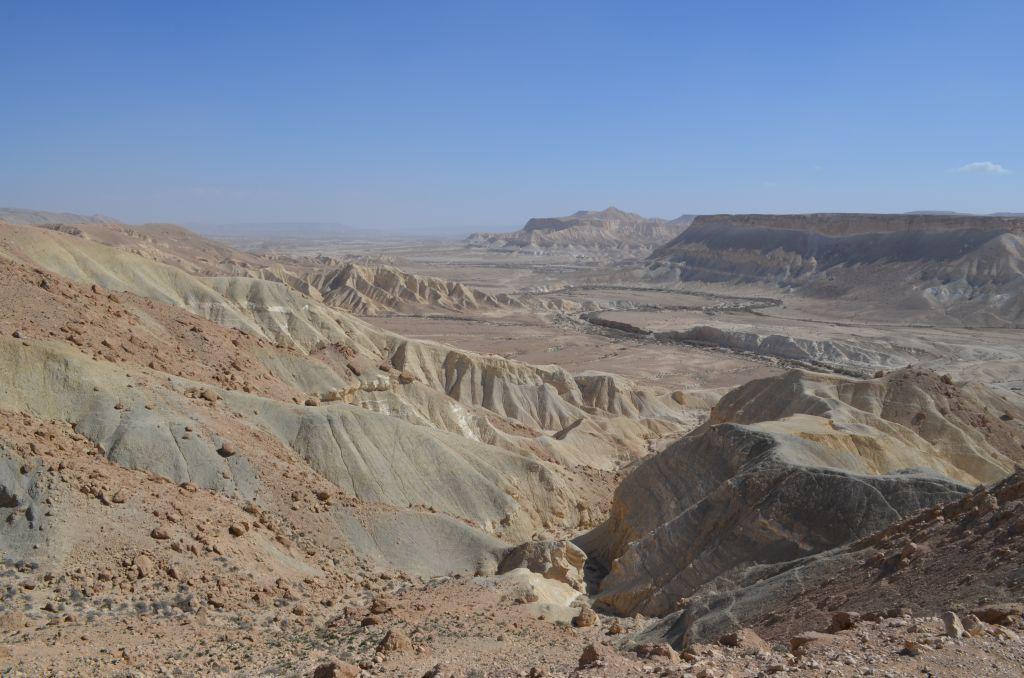 Endlose Täler und Berge - die Negev. Januar 2014
